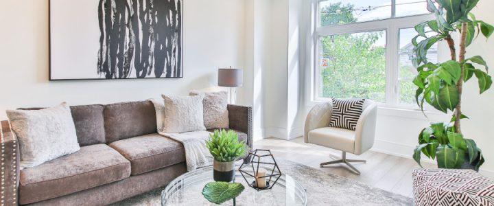 Jednoduché tipy ako zatraktívniť interiér obývačky